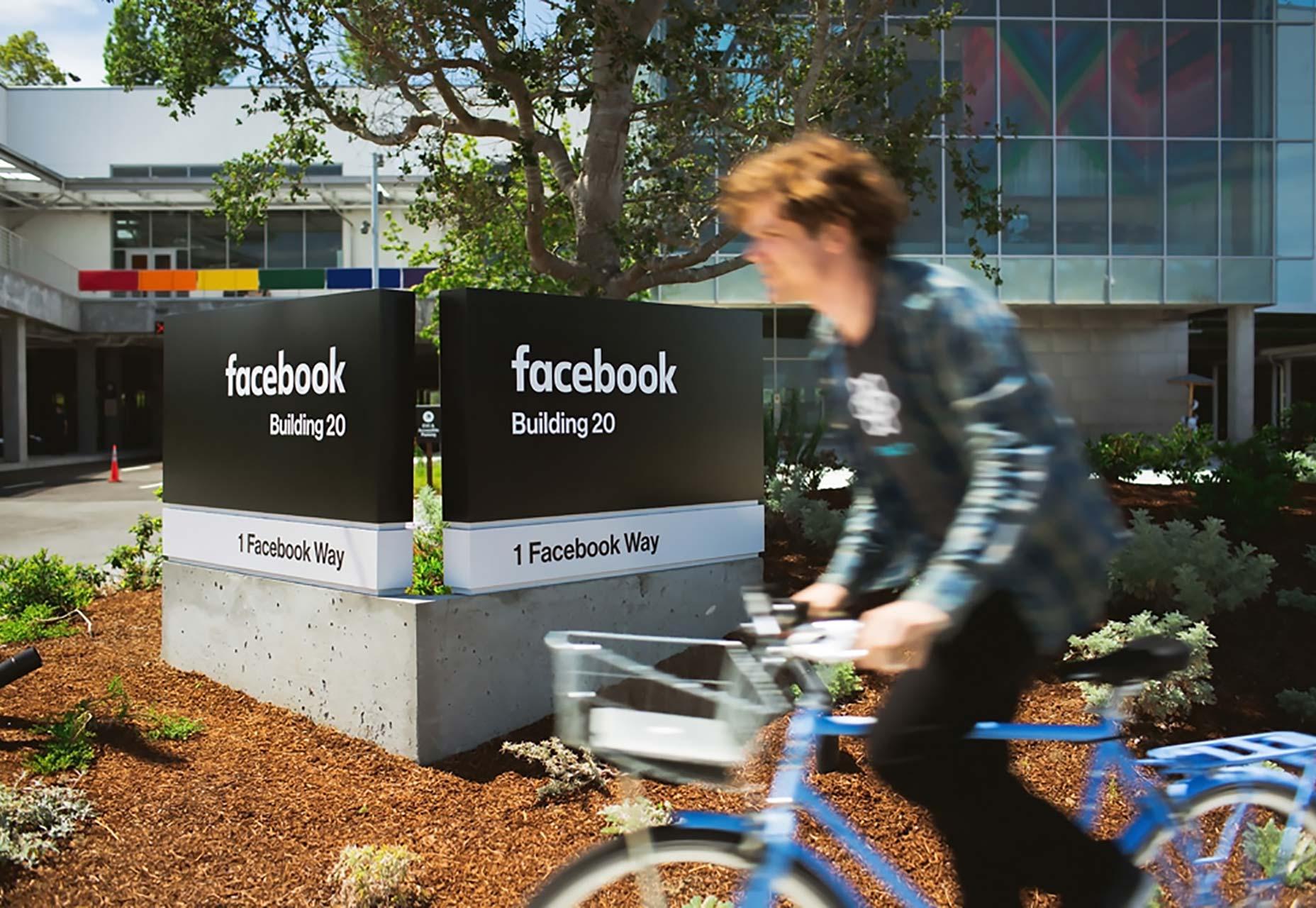 facebook_signage